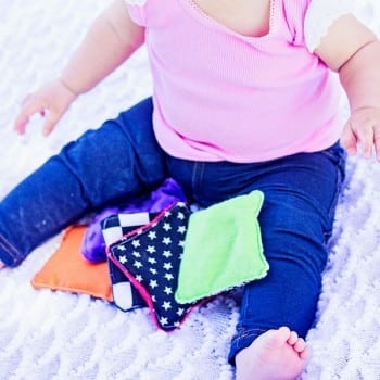 sensory bags can be used to develop baby's senses from birth. Explore the monochrome patterns, colours and different textures.