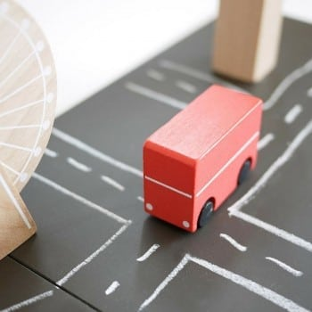 Wooden toy bus of london is included in this awesome wooden magnetic play set
