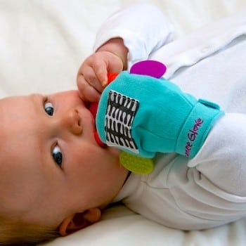 gummee glove turquoise helps small babies with teething pain